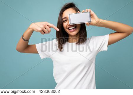 Photo Of Beautiful Smiling Young Woman Good Looking Wearing Casual Stylish Outfit Standing Isolated