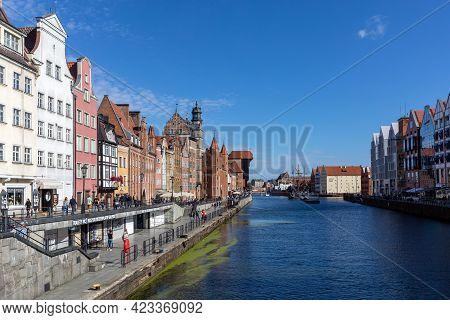 Gdansk, Poland - Sept 6, 2020: Gdansk, Old Town - Historic Buildings Along The Riverbank Of Motlawa