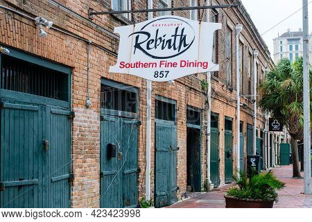 New Orleans, La - September 22: Restaurant Rebirth In Warehouse District On September 22, 2020 In Ne