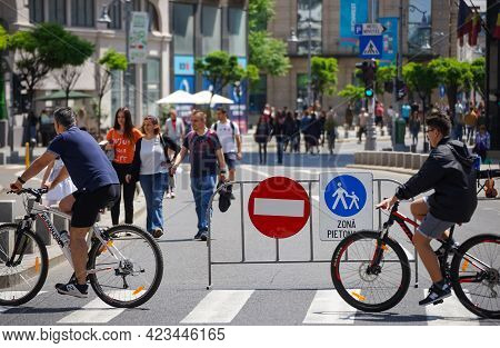 Bucharest, Romania - June 08, 2021: Fence With Signs Prohibiting Car Traffic On Calea Victoriei. Sev