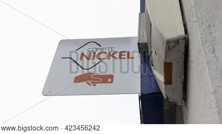 Toulouse , Occitanie France - 06 06 2021 : Compte Nickel Logo Sign And Brand Text Store Office Frenc