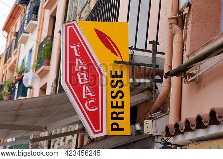 Toulouse , Occitanie France - 06 06 2021 : Presse And Tabac Logo Brand And French Text Sign Of Tobac