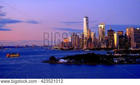 Usa; New York City; Lower Manhattan Skyline At Dusk; Staten Island Ferry; Freedom Tower; Governor\'s