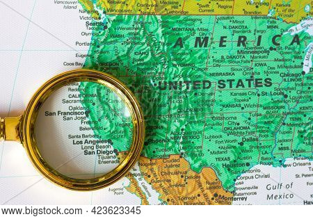 Lviv Ukraine - 04 01 2021:usa California State And Mexico On Map Of North America  In Defocused Magn