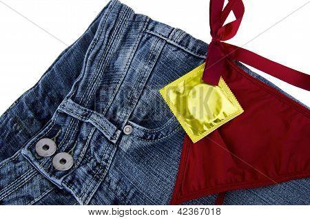 Jeans y condón