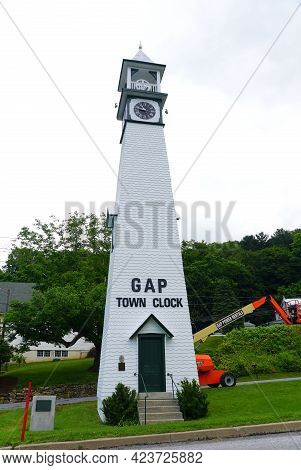 Gap, Pennsylvania, U.s.a - June 14, 2021 - The Town's Clock Tower Off The Road