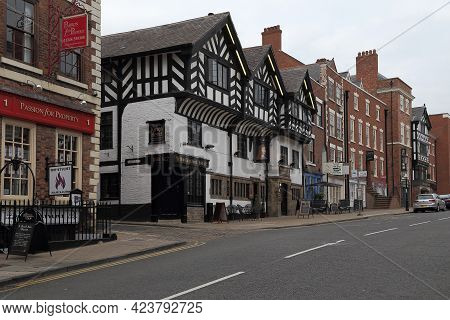 Chester, Great Britain - September 14, 2014: This Is One Of The Streets Of Old Medieval Town With St