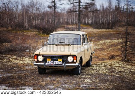 Novyy Urengoy, Russia - May 26, 2021: Soviet Vintage Saloon Car Izh Moskvitch 412 In The Dry Norther