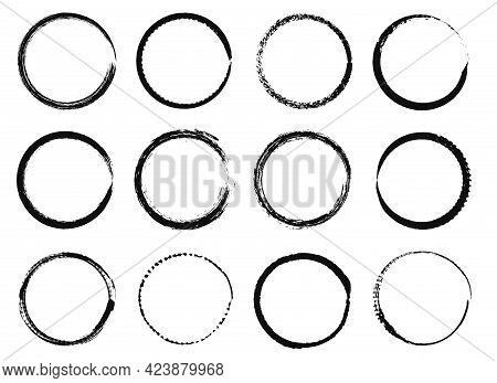Grunge Circle Frames. Black Ink Brush Round Shapes, Circular Distress Textured Borders. Hand Drawn G