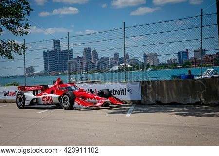June 13, 2021 - Detroit, Michigan, USA: MARCUS ERICSSON (8) of Kumla, Sweden races through the turns during the  race for the Chevrolet Detroit Grand Prix at Belle Isle in Detroit, Michigan.
