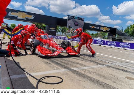 June 13, 2021 - Detroit, Michigan, USA: MARCUS ERICSSON (8) of Kumla, Sweden brings his car in for service during the Chevrolet Detroit Grand Prix at Belle Isle in Detroit Michigan.