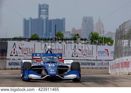June 12, 2021 - Detroit, Michigan, USA: ALEX PALOU (10) of Barcelona, Spain qualifies for the Chevrolet Detroit Grand Prix at the Belle Isle in Detroit, Michigan.