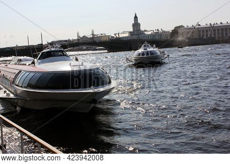 Stant - Peterburg, Russia-6 July 2013: Meteor, Submarine-launched Boat On The Neva In The Center Of