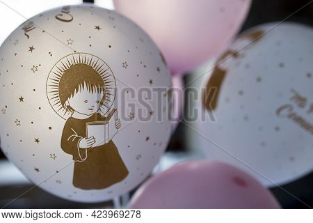 Soft Balloons As First Communion For Tables. Decoration Items For First Comunion