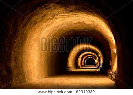 Visually Dynamic Tunnel Construction