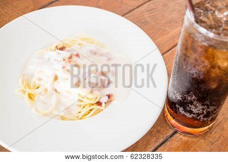 Spaghetti Carbonara With Ham Cheese And Cola