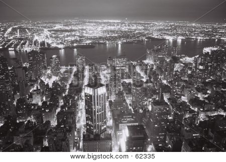 MANHATTAN: View West