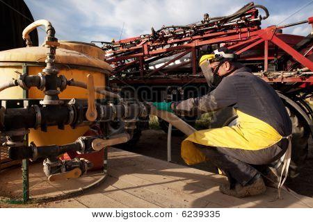 Rocío químico agrícola