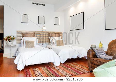 Modern Single Bedroom House