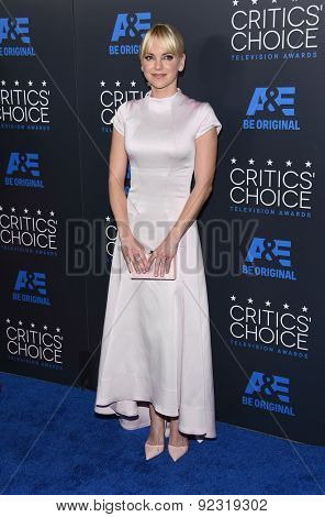 LOS ANGELES - MAY 31:  Anna Faris arrives to the Critic's Choice Television Awards 2015  on May 31, 2015 in Hollywood, CA