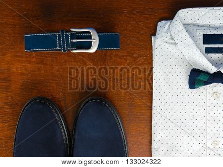 Mens Wedding Accessory. Mens Outfits, White Polka-dot Shirt With With Bow Tie, Blue Belt And Shoes O