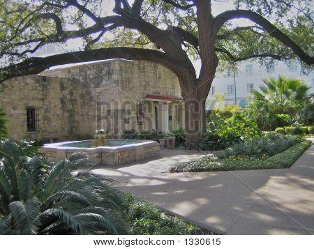The Alamo - Building In Complex