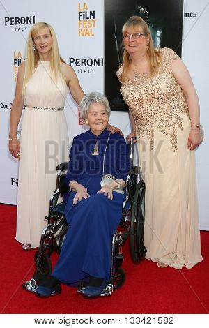 LOS ANGELES - JUN 7:  Janet Winter, Lorraine Warren, Margaret Nadeen at the 2016 Los Angeles Film Festival - The Conjuring 2 Premiere at TCL Chinese Theater IMAX on June 7, 2016 in Los Angeles, CA