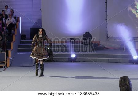 Cosplayer Dressed As Character Alice Lidell