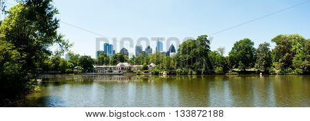 Lake Clara Meer In Piedmont Park Atlanta