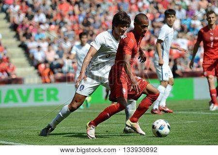 PRAGUE 05/06/2015 _ Theodor Gebre Selassie, Kwak Taehwi. Friendly match Czech Reublic - South Korea