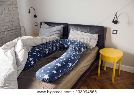 For Pregnant Woman Sleeps Comfortable U Supporting Pillow. Comfortable Body Pillow Pregnant Women Fo