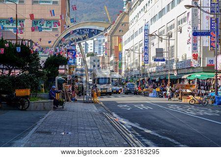 Jagalchi Fish Market, Busan South  Korea 3 November 2017 :jagalchi Fish Market Is A Representative F