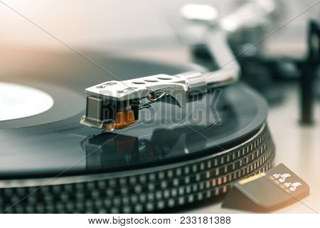 Turntable With Black Hi-fi Headshell Cartridge , Close-up, Analog Turntable Playing Record Plate Lp,