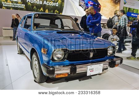 Toronto, Canada - 2018-02-19 : Visitors Of 2018 Canadian International Autoshow Looking At The First