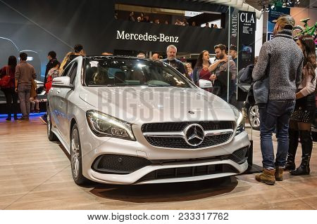 Toronto, Canada - 2018-02-19 : Visitors Of 2018 Canadian International Autoshow Beside The Mercedes