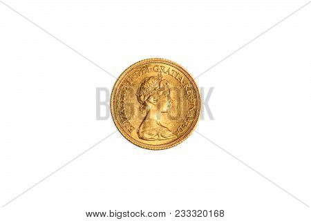 Great Britain One Gold Coin Of Uk Pound, Gbp English Currency, Close Up Of The Head Side Of Queen El