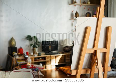 Artistic Equipment: Artist Paper Or Canvas On Easel In An Artist Studio. Cozy Room Of Creative Peopl