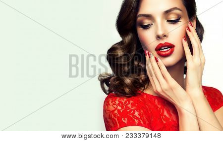 Beautiful    Model  Girl  With Curly Brown  Hair . Brunette Woman With Wavy Hairstyle  . Red  Lips ,