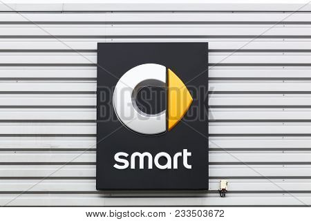 Villefranche, France - March 18, 2018: Smart Logo On A Wall. Smart Automobile Is A Division Of Daiml