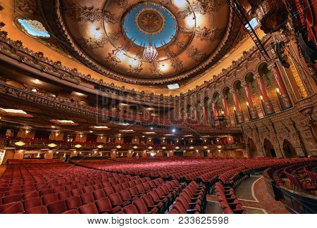 St. Louis, Missouri, Usa - July 24, 2014 - The Fox Theatre On Grand Boulevard In The Grand Center Ar