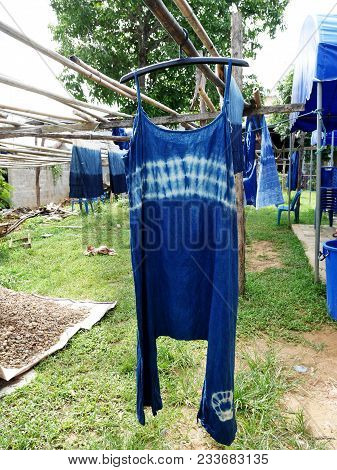 Indigenous Knowledge Of Thailand Tie And Batik Dyeing With Chemical And Liquid Dye Mauhom Indigo Nat