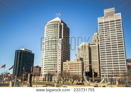 Detroit Michigan Skyline. Cityscape Of Downtown Detroit, Michigan With Hart Plaza In The Foreground.