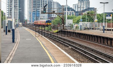 Vauxhall, London, United Kingdom - May 28, 2016 : A View Of The Vauxhall Station With A Train Depart
