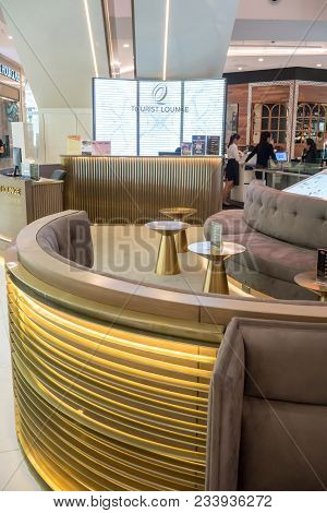 Tourist Lounge At Emquartier, Bangkok, Thailand, Mar 8, 2018 : Luxury And Modern Lounge In Gold Them