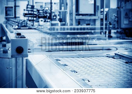 Modern Automobile Production Line, Automated Production Equipment.