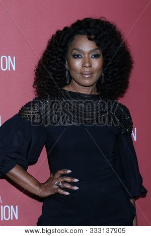 LOS ANGELES - NOV 7:  Angela Bassett at the 4th Annual Patron of the Artists Awards, at Wallis Annenberg Center for the Performing Arts on November 7, 2019 in Beverly Hills, CA