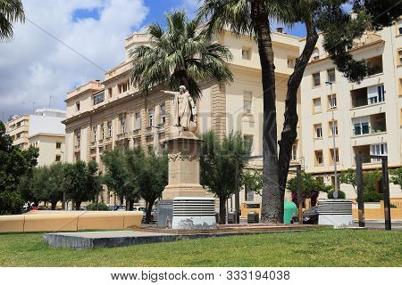 Cartagena, Spain - May 19, 2017: This Is A Monument To Christopher Columbus In The Seaside Park Of M
