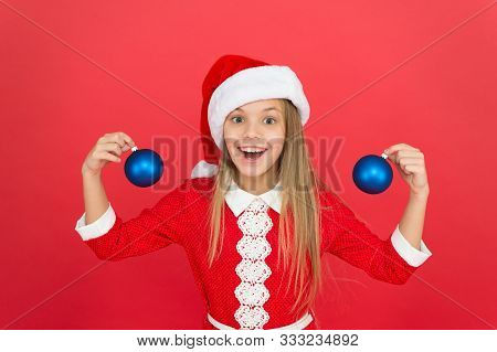 Create Unique Decorations. Christmas Ball Decor. Christmas Decorating Ideas For Kids Room. Child Red