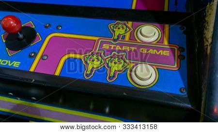 San Francisco, Usa - August 2019: Start Buttons For Ms Pacman Arcade Machine