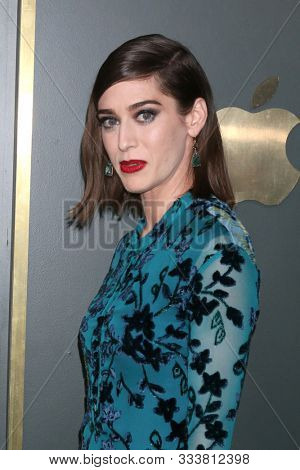 LOS ANGELES - NOV 11:  Lizzy Caplan at the